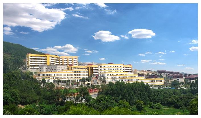 泉州北大培文外国语学校